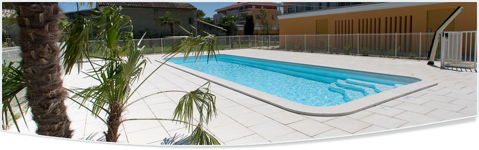 Photo grande piscine coque