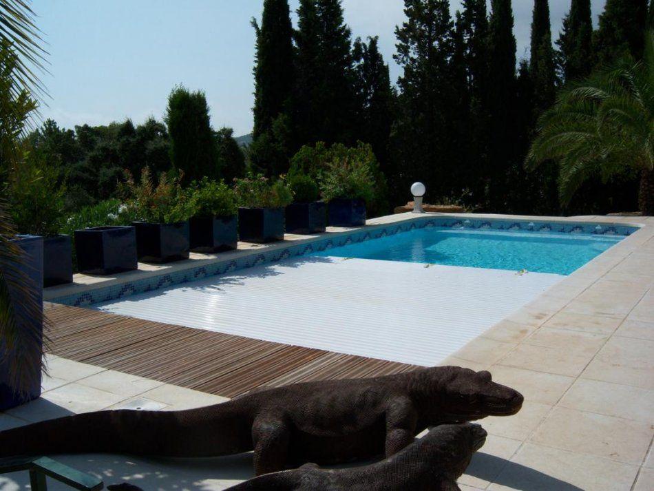Le volet roulant immerg piscine coque avec volet for Petite piscine coque