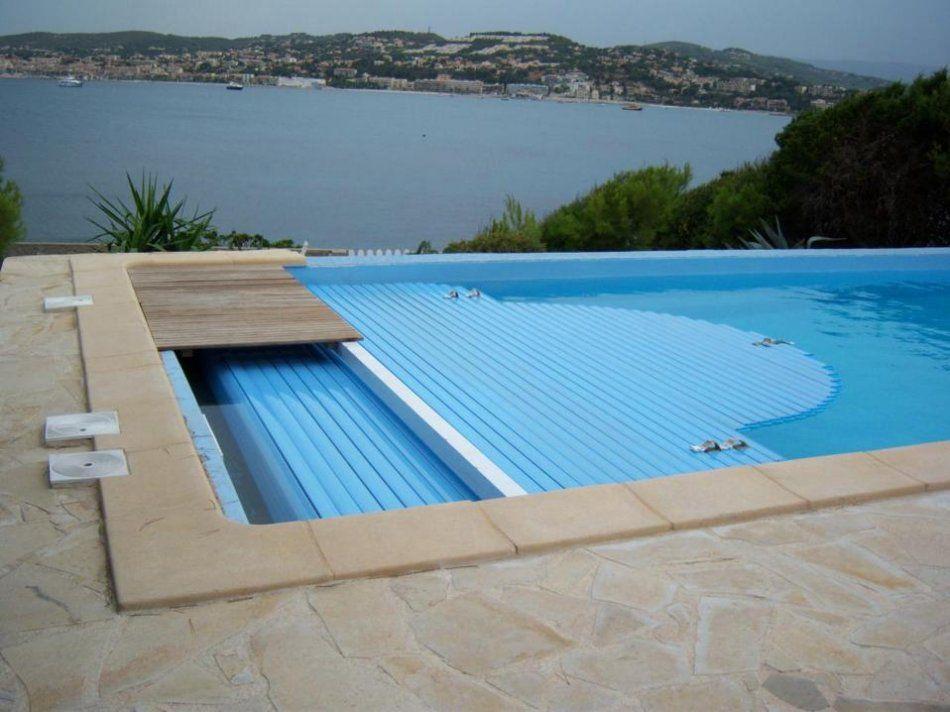 Coffre du volet roulant skimmer piscine for Volet roulant piscine hors sol bois