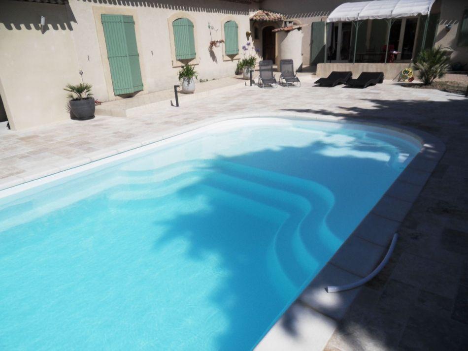 Fiche technique de la piscine mod le lac de charmes caract ristiques de la piscine coque for Tarif piscine coque